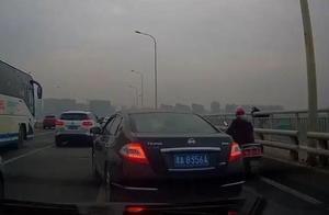 送完老婆上班后,31岁男子弃车跳下长沙湘府路大桥身亡