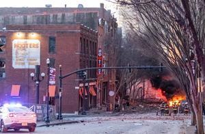 美国爆炸点靠近电信大楼:数百公里外报警系统崩溃 航班停飞