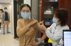 现场图片来了!新冠疫苗是这样接种的