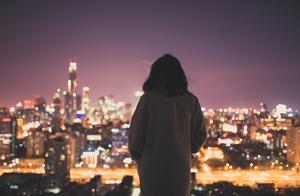 为拼多多守边疆的女孩,凌晨倒在了-20℃的冬夜