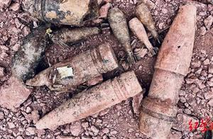 """惊险!泸州一工地挖出上千枚炸弹,12名""""拆弹专家""""出手了"""