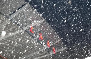 """上海下雪啦!""""王炸""""级寒潮来袭,局部地区将达零下7℃!有一群人悄悄出动了……"""