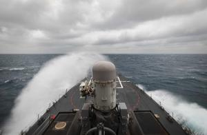 两艘美舰穿航台湾海峡,国防部:全程跟踪监视