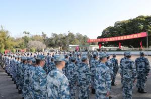 驻香港部队陆海空部分军官完成轮换