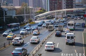 新年第一天,武汉市区有点小拥堵