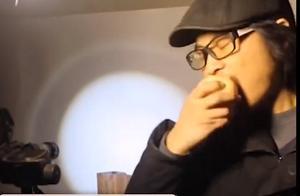 男子用苹果咬出明星剪影,太像了!网友:同样是吃,人家却是艺术