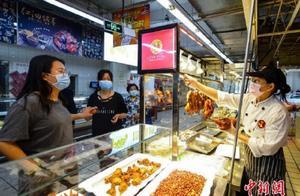 商务部:商场超市应拒绝不戴口罩顾客进入