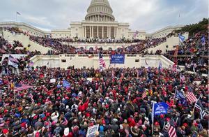 """视频丨美政界人士发声:暴力冲击国会是""""巨大耻辱和蒙羞时刻""""""""国家的悲剧"""""""