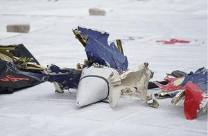 印尼官员:失事客机可能是在撞击海面后碎裂,而非空中爆炸