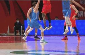 CBA现罢赛风波,北京队被判罚后炸锅