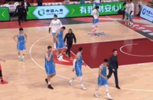 CBA公布罢赛处罚 北京队主帅解立彬停赛4场