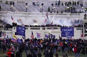 FBI警告:反对团体计划在全美发起武装抗议 有组织还提倡内战