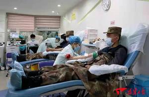 谢谢你们救人又献血的子弟兵
