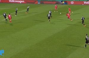 德国杯-萨内圆月弯刀罗卡点球被扑 拜仁总比分7-8基尔遭淘汰
