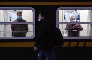 2021年春运开启 北京发出首趟列车