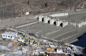 印度冰川断裂32人死亡150人失踪 气候变暖和修建大规模工程或为灾难原因