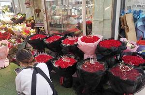 大年初三,郑州花卉市场玫瑰飘香