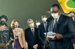 这位非洲国家总统亲赴机场,迎接中国疫苗