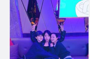 马思纯生日晒与杨紫张瑶合照 感谢最难时刻的陪伴