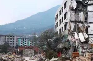 13年前地震中被解放军救下的小男孩,做出这个选择