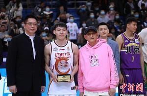 2021年CBA全明星赛南区队获胜,浙江队吴前获MVP