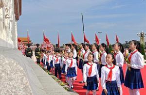 致敬百年来奉献牺牲的中国共产党人:初心长留天地间