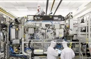 中企100%收购日本芯片企业,5台光刻机到手了,美国没猜到