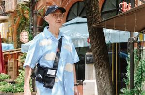 跟着爷爷学穿搭!武汉83岁时尚爷爷走红网络