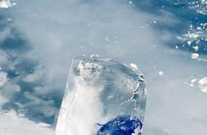 赛里木湖的冰