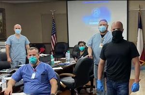 特朗普重开美国,恶果曝光!德州医院爆满,宣布要送病人回家等死
