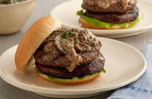 沙拉酱牛肉汉堡的做法