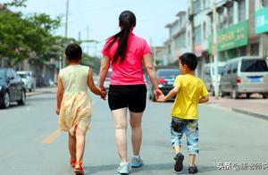 清华大学博士后:建议尽快放开三孩,家长炸锅:你出钱给养?