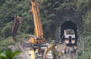 台铁事故幸存女星透露现场惨烈情况,林志玲张惠妹林心如发声哀悼