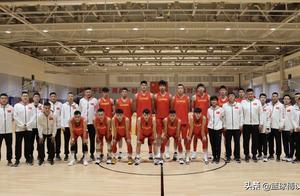 不易!5人缺席男篮集训;韩德君出任队长;中国男篮再迎利好