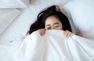 一天睡十多个小时,对身体有影响吗?其实还真有