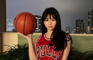 这个模仿灌篮高手,刘海和篮球服都那么像的人,居然是邱淑贞女儿