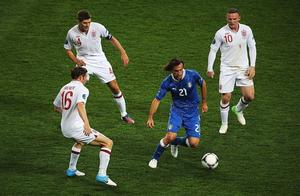 """足球学意大利,方向很对,难度不小,贵在坚持""""守到""""云开见日月"""