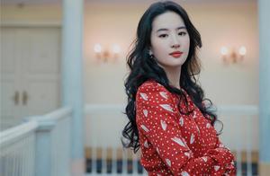刘亦菲秒删健身动态,重发旧照仙女气十足,网友:我可以教你编辑