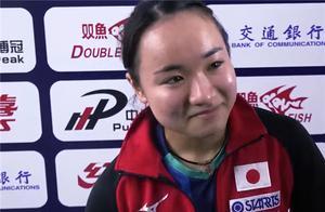 伊藤美诚被打哭!谈到帅气教练又笑了,中国球迷留言起哄:在一起