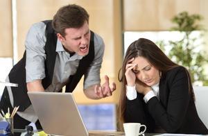 同事经常甩锅给我,怎么办?3个策略,避免被上司和同事随意使唤