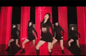 姚安娜开启逐梦演艺圈第一步,发新歌穿低胸裙跳热舞,却被嘲难听