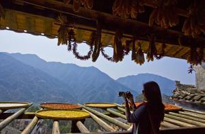 每年的秋天婺源,便成了摄影师的天堂,这里是中国最唯美的古村落