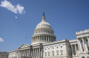 美国两党互争参议院掌控权 共和党暂领先一席