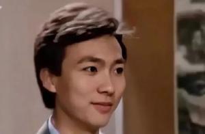 康辉面试央视视频曝光!五官精致下颚线完美,21岁就有国脸气场