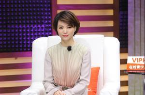 47岁董卿入围亚太最美面孔,40女人穿搭典范,网友:实至名归