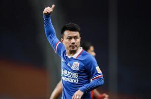 时隔2年当队长,申花34岁老将诠释球过人不过,国脚开除后首球