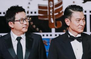 刘德华成金鸡奖最大赢家,被佟丽娅和贾玲追星,被邓超和沈腾追捧