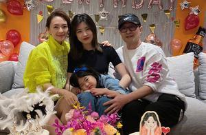 汪峰大女儿15岁已有明星相,章子怡为她庆生,对她的称呼是亮点