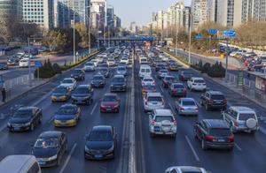 中国城市汽车保有量十强榜,成都排第二,武汉排第九