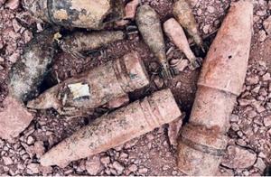"""现实版""""拆弹专家""""!四川泸州某工地挖出千余枚仍可能爆炸的炸弹"""